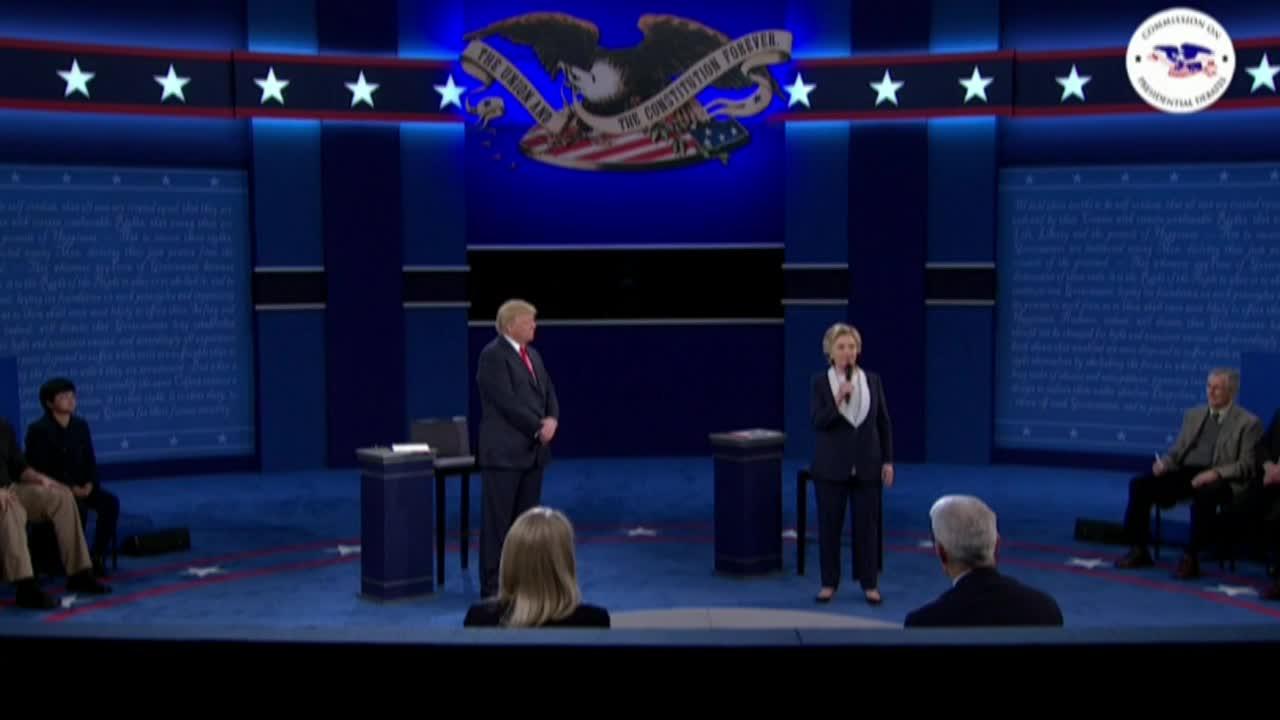 САЩ: Тръмп обвинява Бил Клинтън, че е бил арогантен с жените