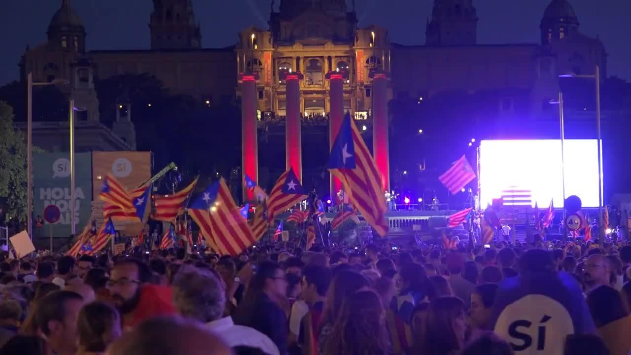 Митинг в подкрепа на референдума в Барселона