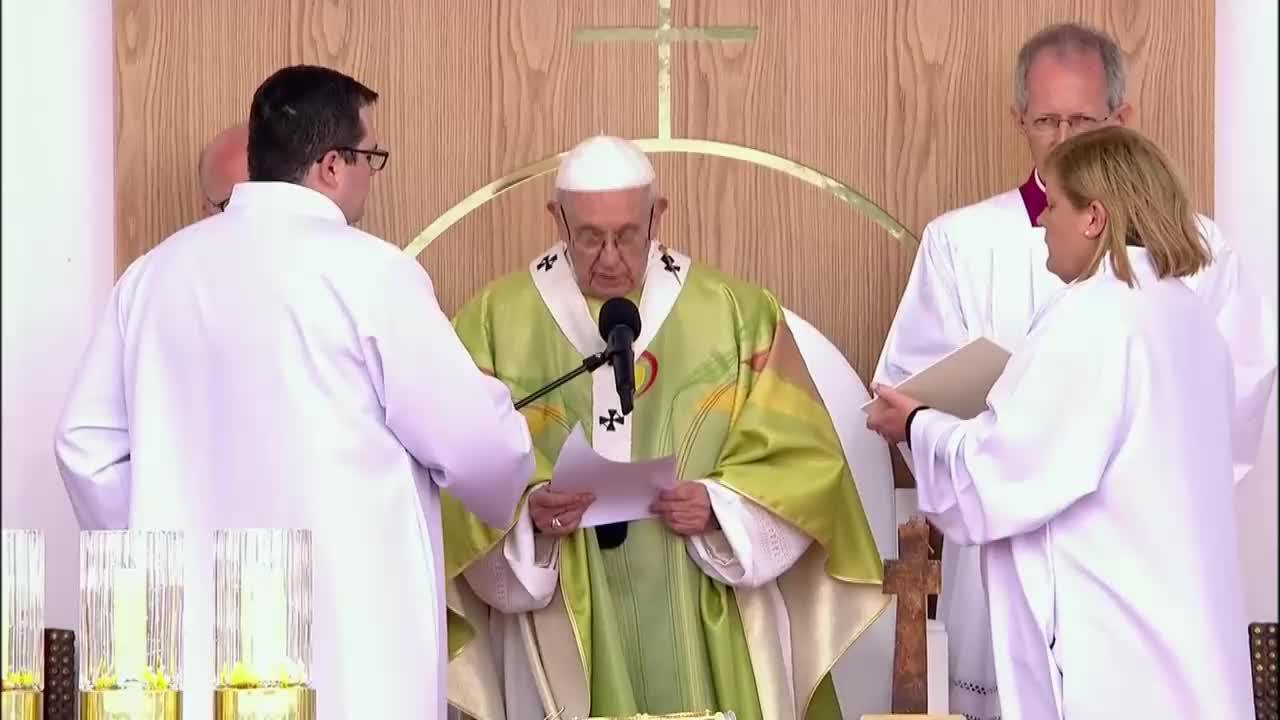 Папата поиска прошка за свещениците педофили