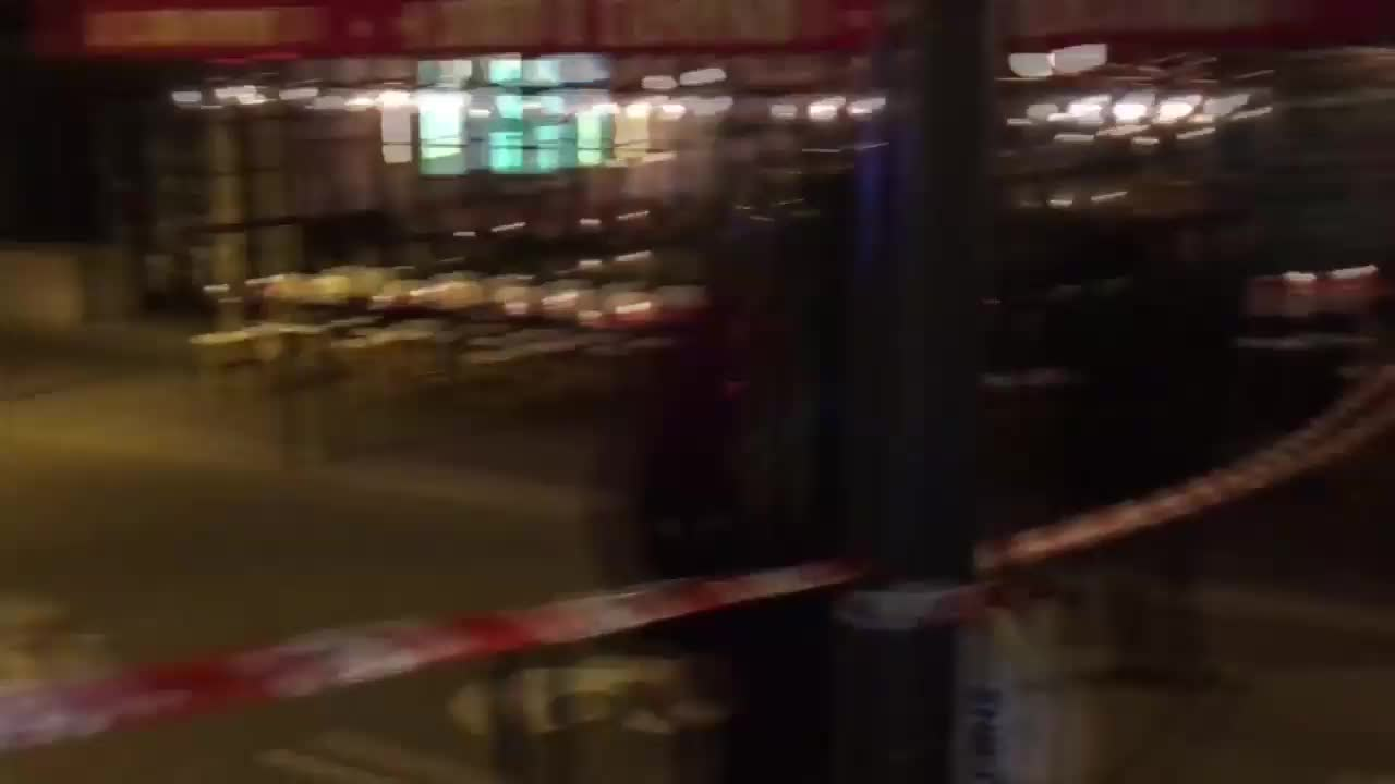 Терористична атака в центъра на Париж