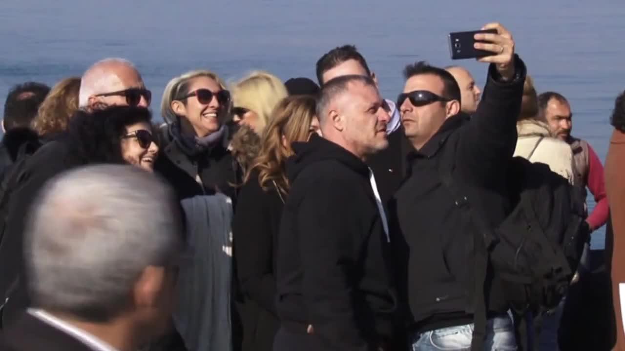 Turkey: Izmir Orthodox community takes part in Epiphany dive