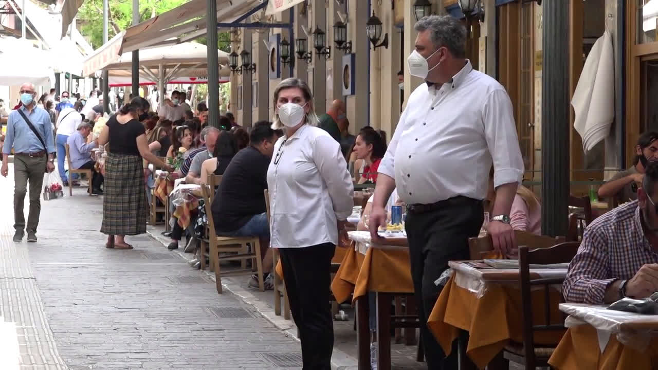 Greece: Restaurants and cafes reopen in Athens after months of closures