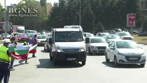 """Пътни строители от Бургас блокираха едното платно за АМ """" Тракия"""""""