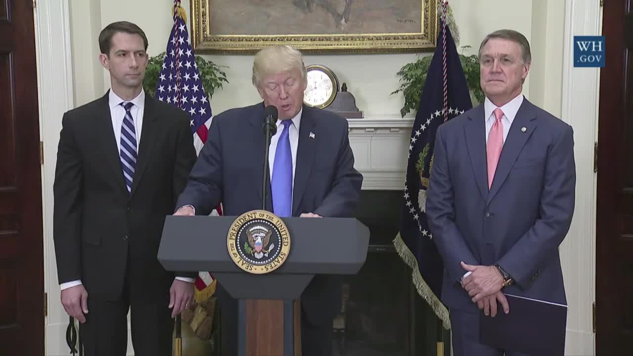 USA: Trump unveils new immigration reform act
