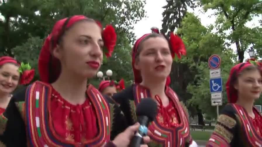 Народна песни и танци в София