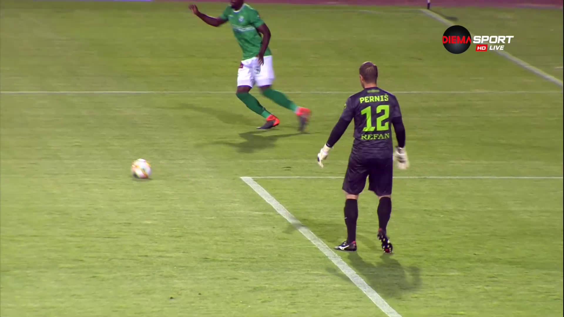 Найджъл Робърта с отличен гол за Левски