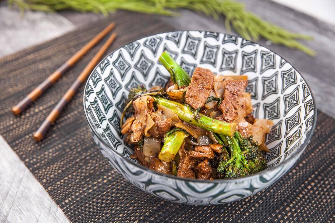 Стир-фрай с телешко и броколини | Джъстин Скофийлд