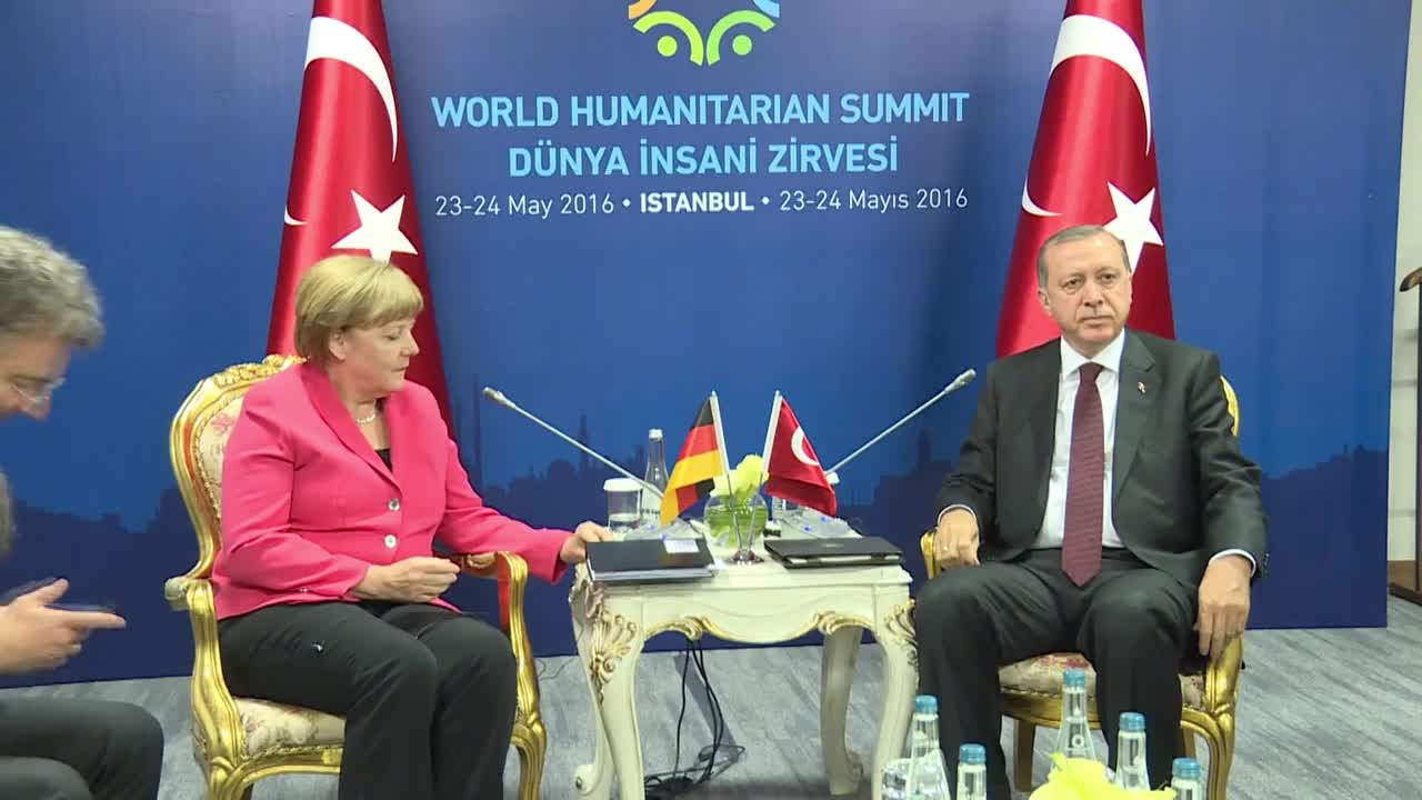 Turkey: Merkel meets Erdogan during World Humanitarian Summit