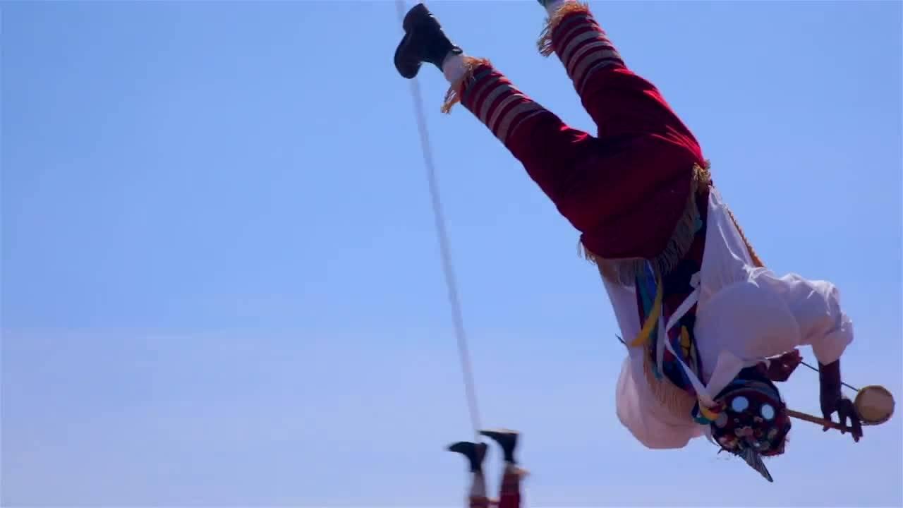 """Древен мексикански ритуал на летене (""""Без багаж"""" еп.123 трейлър)."""