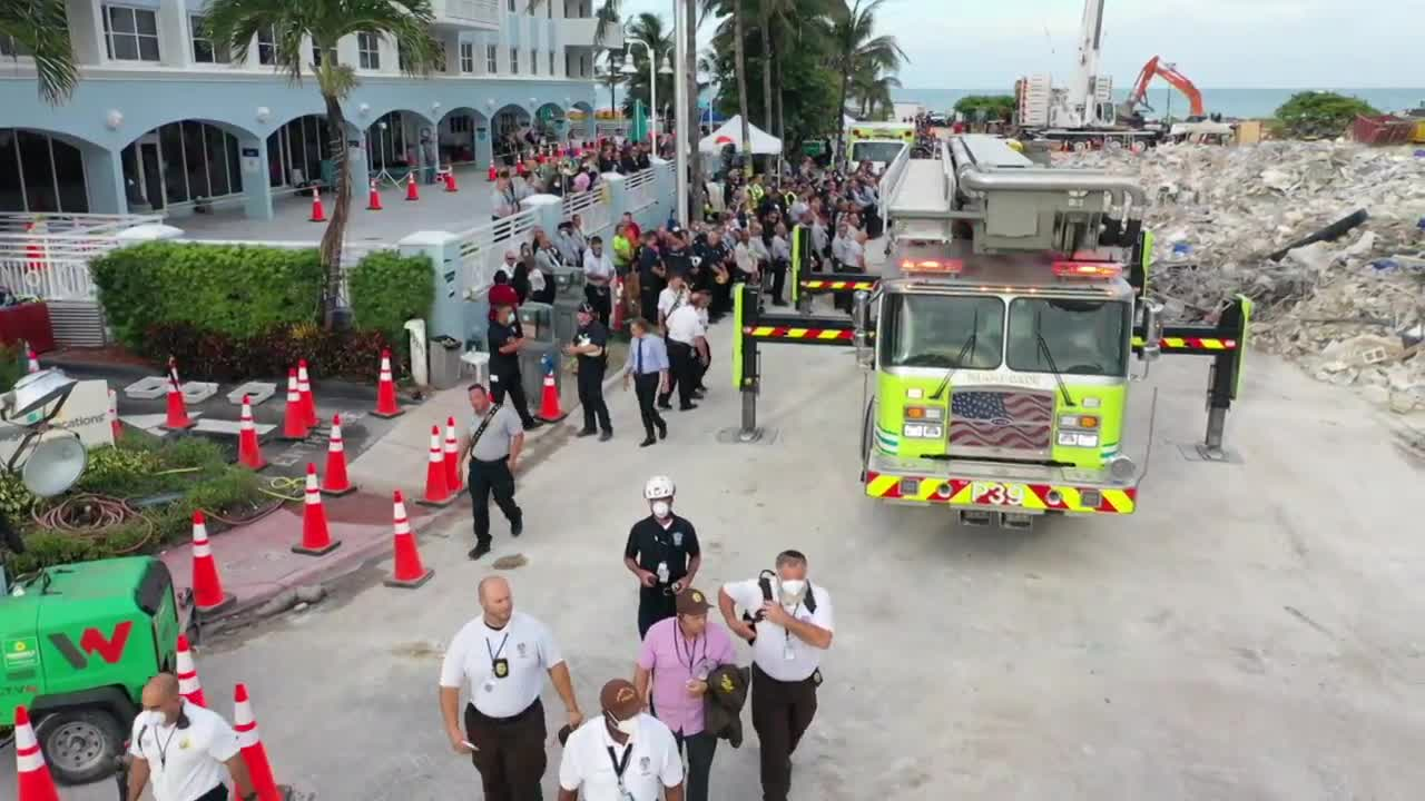 USA: Rescue operators mark moment of silence after search and rescue mission officially halted