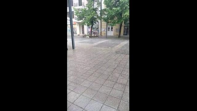 "\""Моята новина\"": Градушка падна в Бургас"