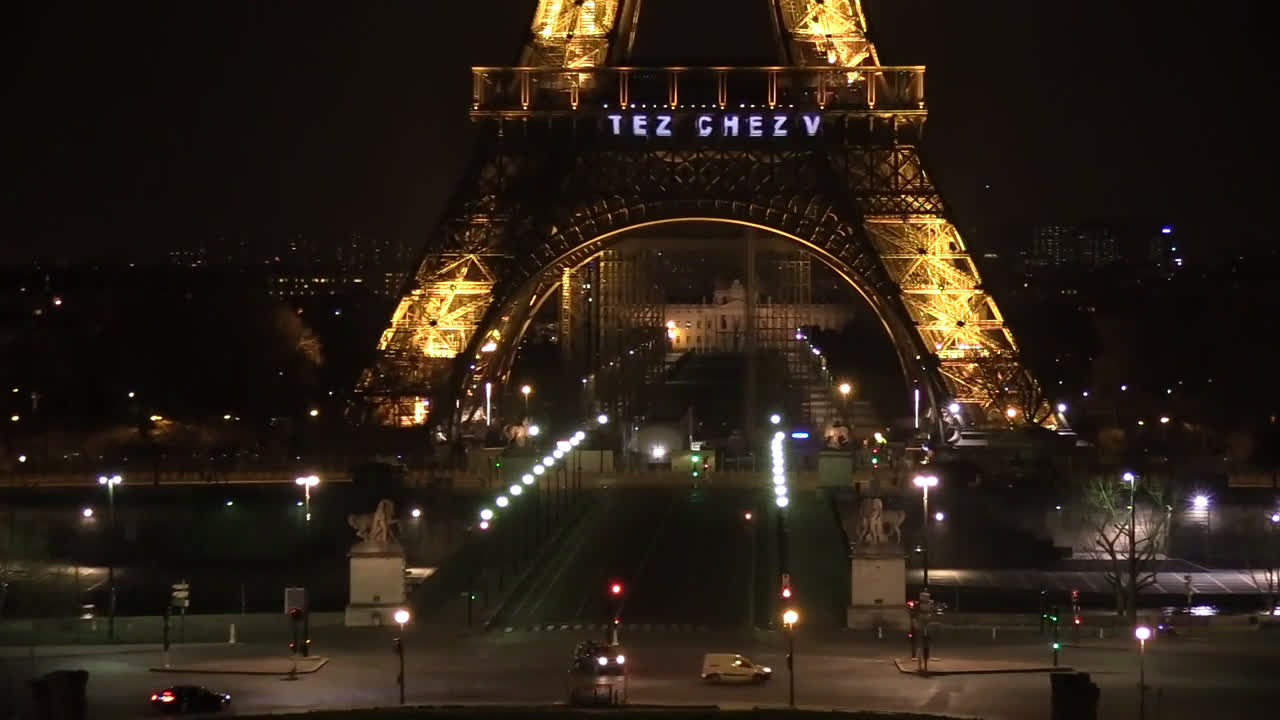 France: 'Stay at home' and 'thank you' messages projected on Eiffel Tower