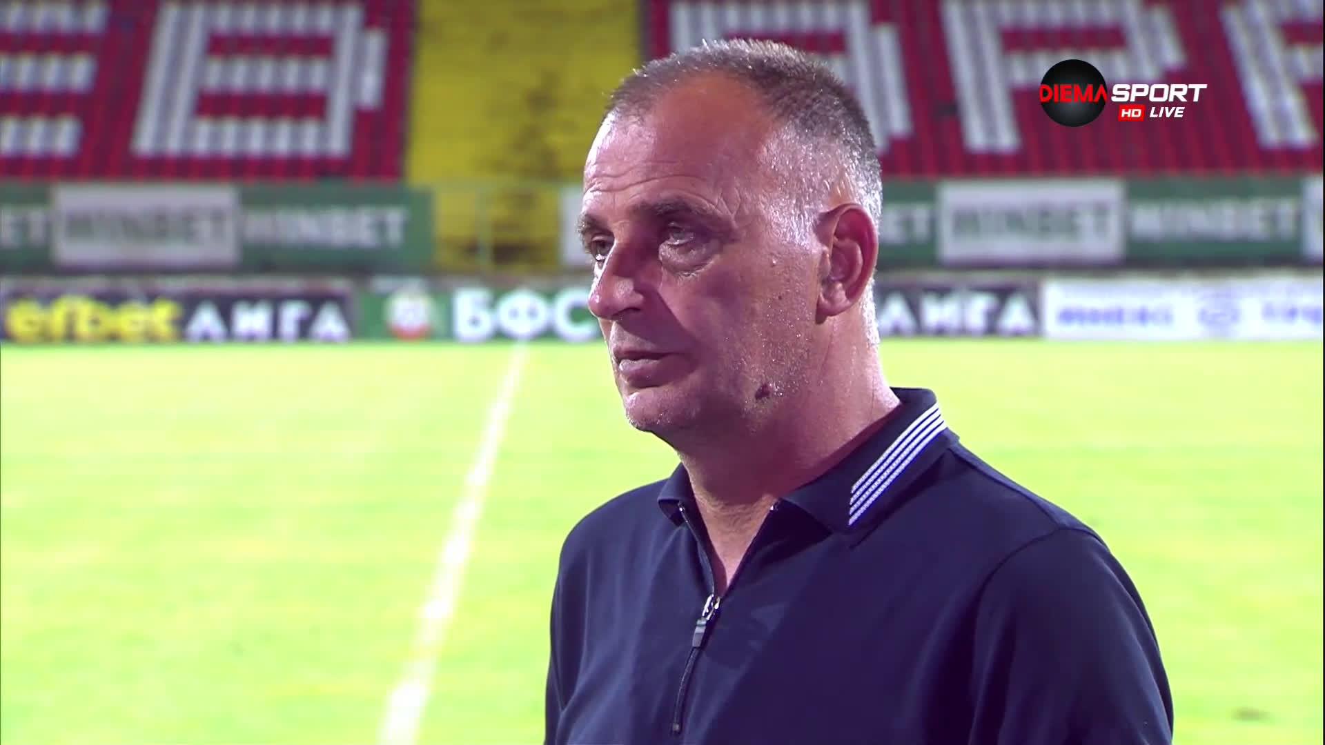 Антони Здравков: Не знам защо играем така