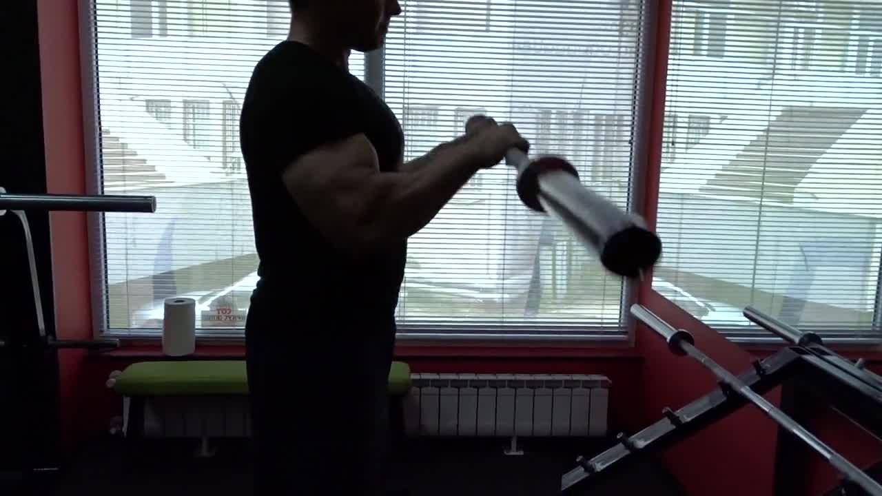 92feefa7ea1 Фитнес упражнения - Сгъване с лост с надхват