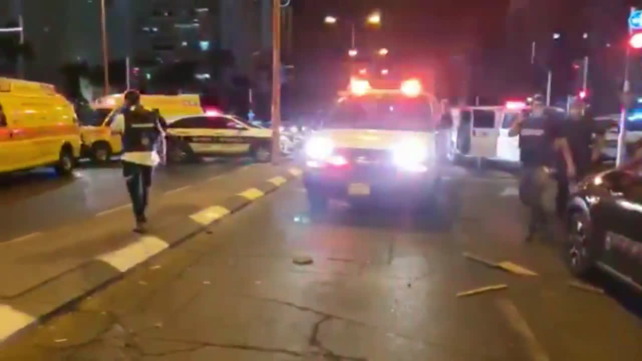 Israel: Rocket strike in Ashdod leaves at least 2 injured as 'peace' deal' signed in US