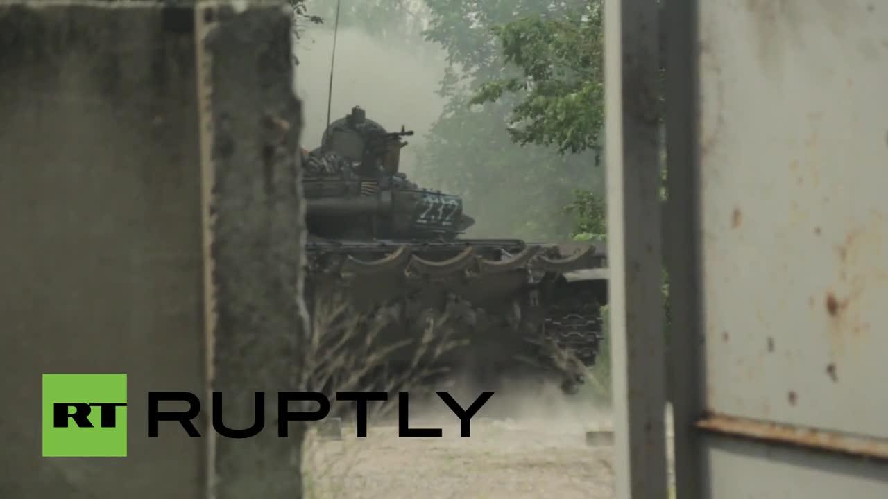 Ukraine: See intense tank Marinka warfare as Kiev, DNR/DPR forces continue fighting