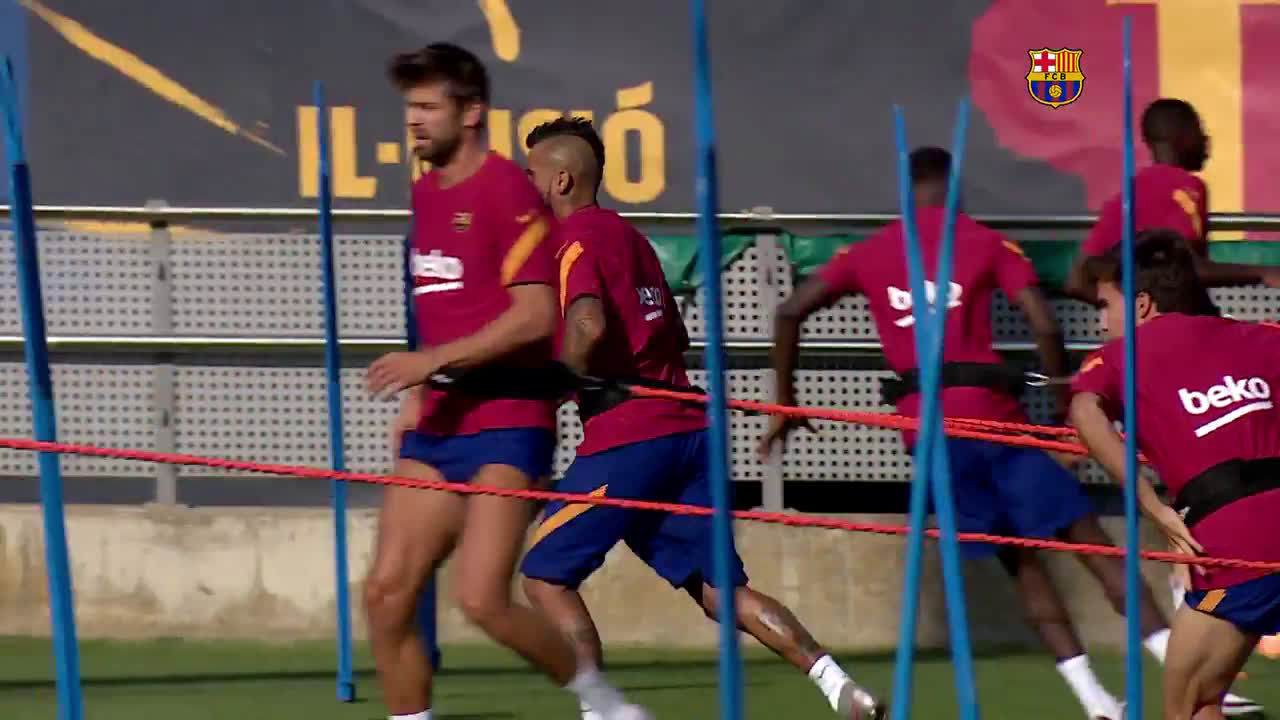 Spain: Messi returns to training for first time after Barcelona contract U-turn