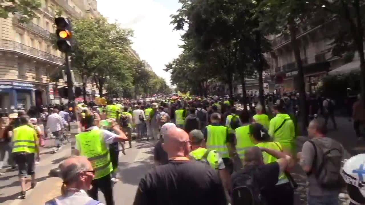 Франция: Има арестувани по време на протеста на жълти жилетки
