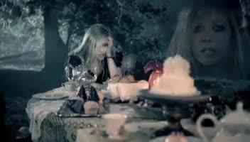 Видео + Превод - Avril Lavigne - Alice Underground