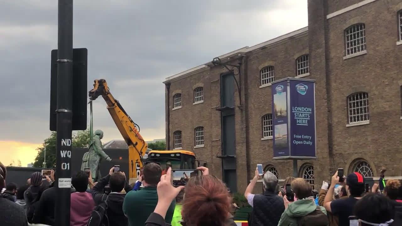 UK: Statue of slave owner Robert Milligan removed outside London Museum