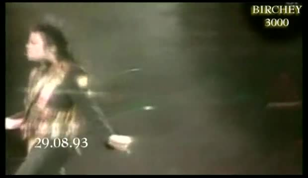 Michael Jackson - Rojden den Dangerous tour v Sinagapur 1993