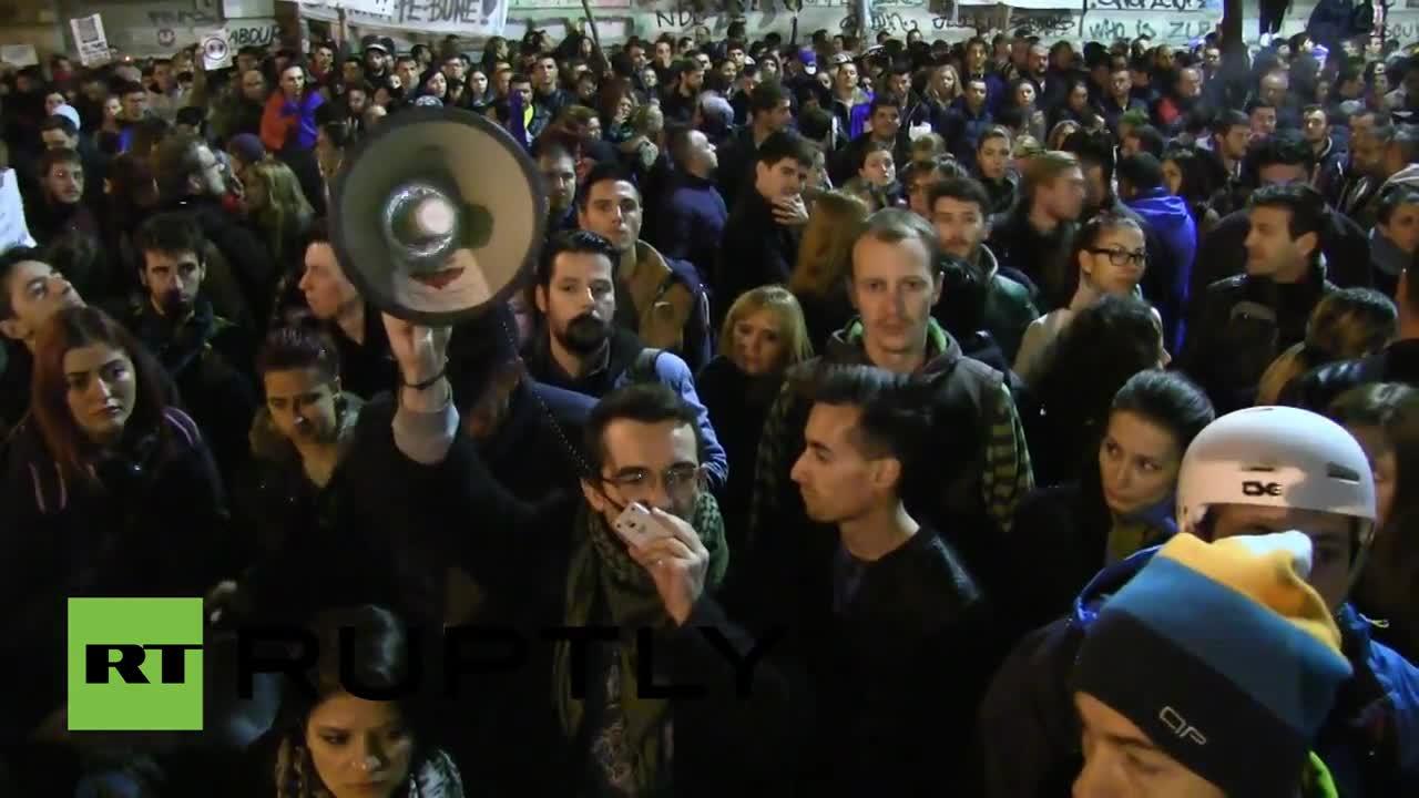 Румъния: Хиляди поискаха нова политическа системата