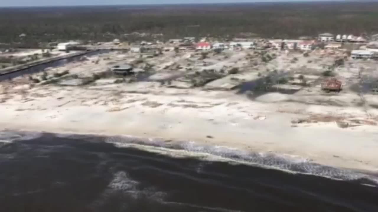 """Крайбрежен град във Флорида е сринат със земята от урагана \""""Майкъл\"""""""