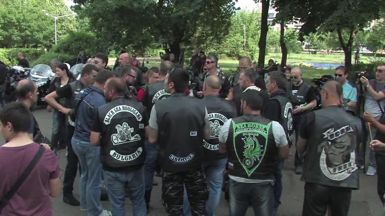 """""""Нощните вълци"""" започнаха Славянската си обиколка в Бургас"""