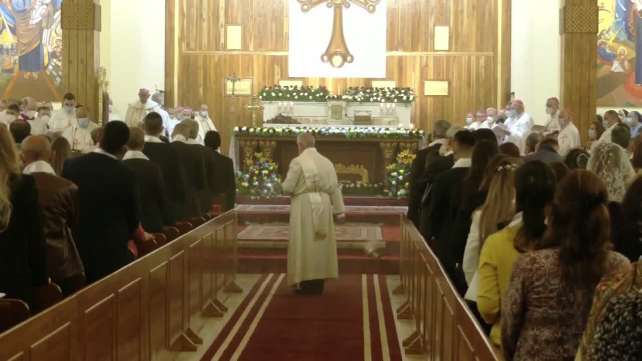 Iraq: Pope Francis celebrates mass in Baghdad cathedral during historic visit