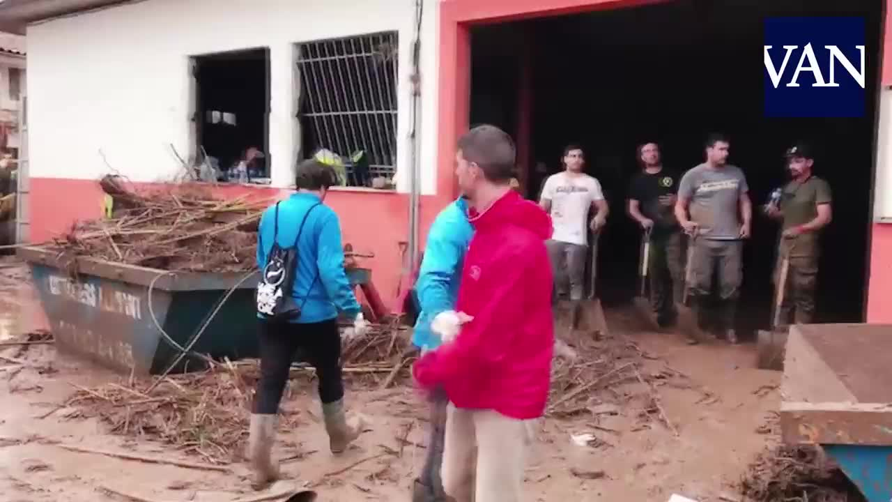 Spain: Tennis star Nadal helps recovery in flash-flood hit Mallorca
