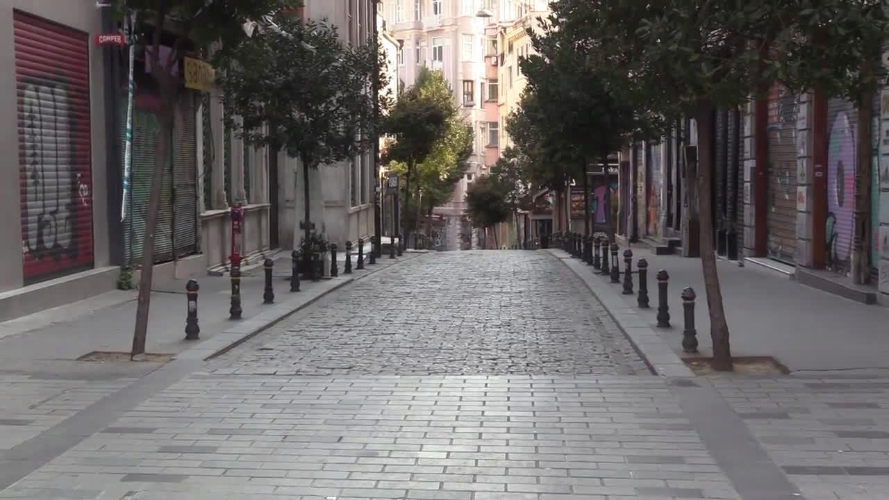 Turkey: Istanbul streets vacant amid 48-hour coronavirus curfew