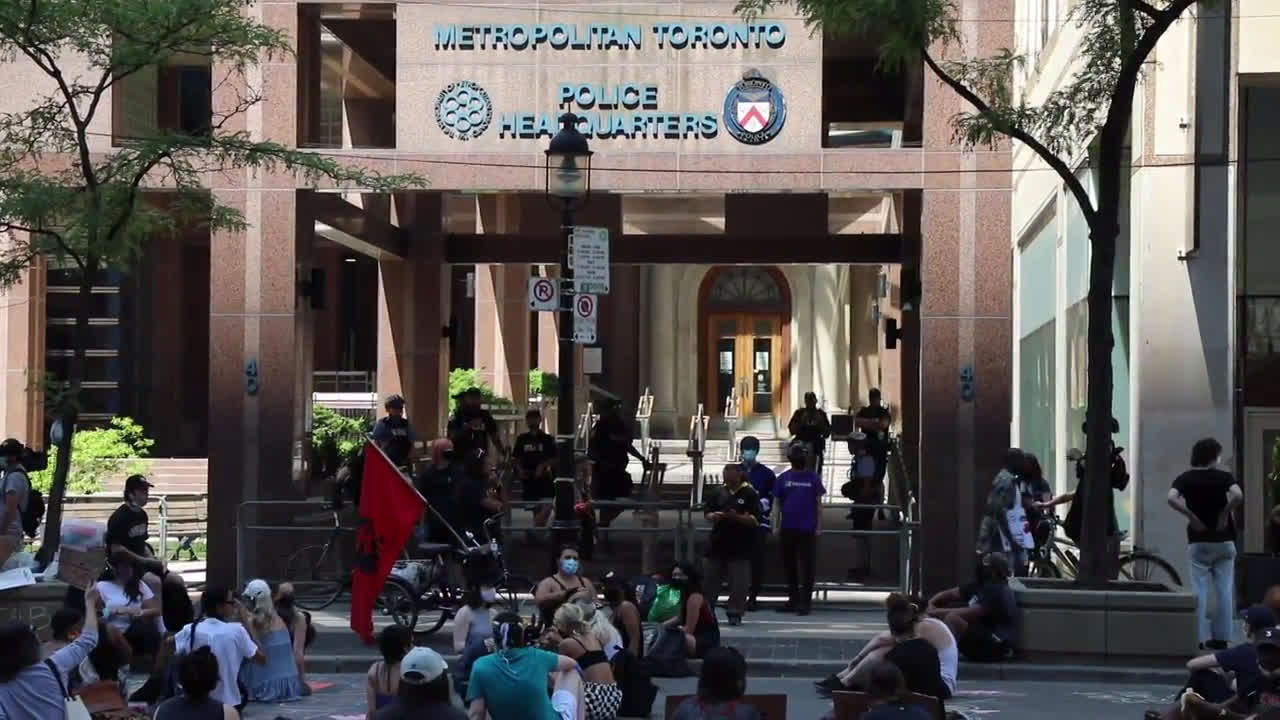 Canada: 'No justice, no peace' sit-in held in front of Toronto police headquarters