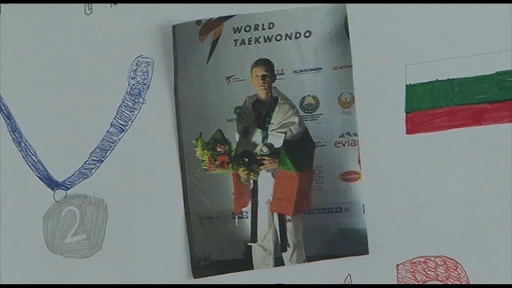 Уникално посрещане на световния вицешампион Денис Димитров
