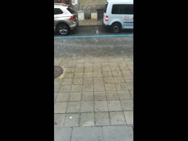 Буря и градушка в Бургас