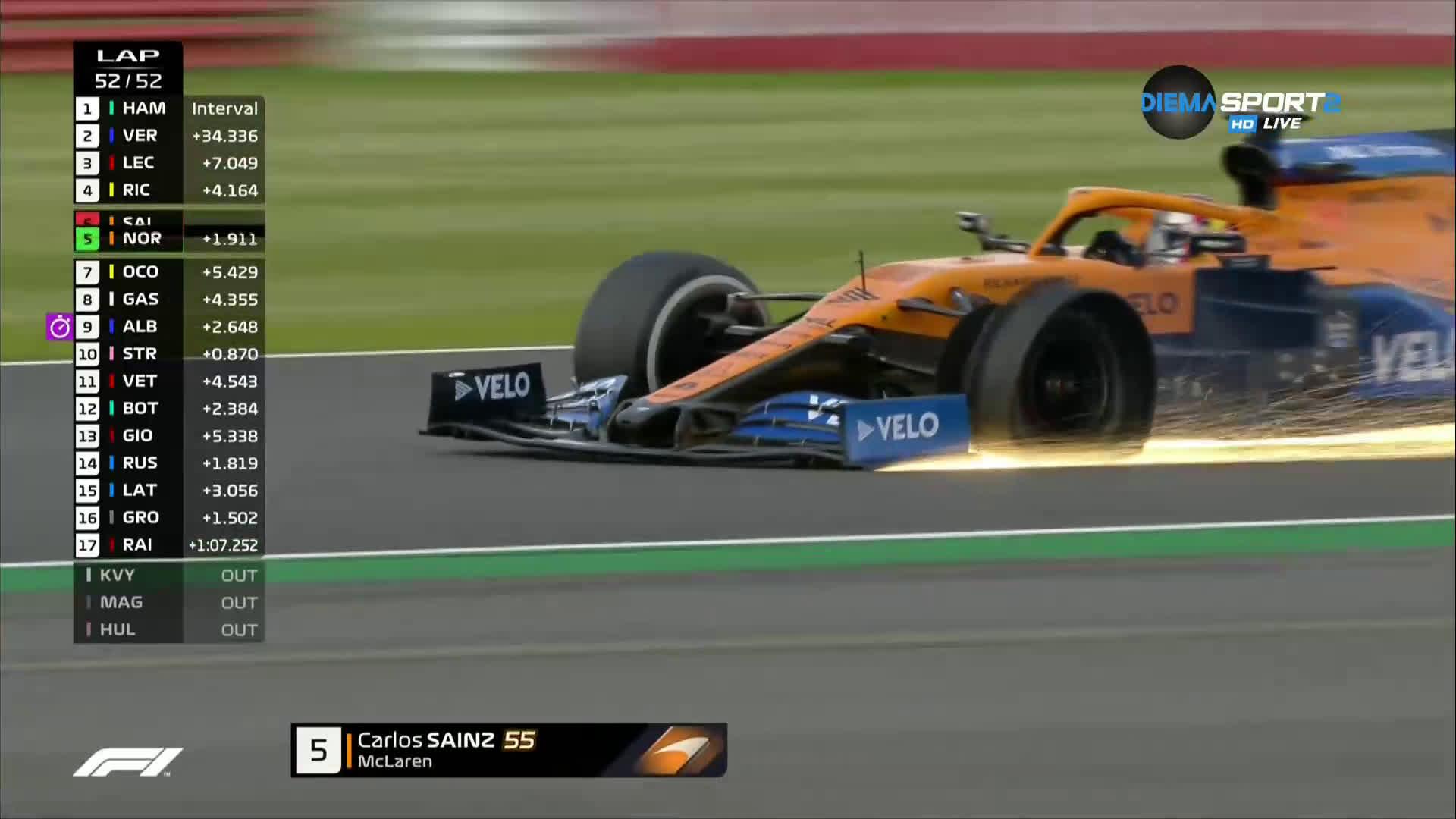 Люис спечели ГП на Великобритания на три гуми /репортаж/