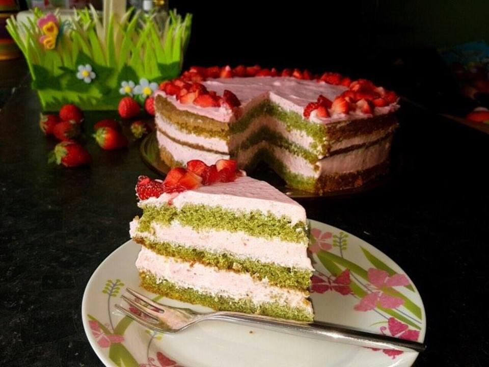 Торта с ягоди и нежен маскарпоне крем