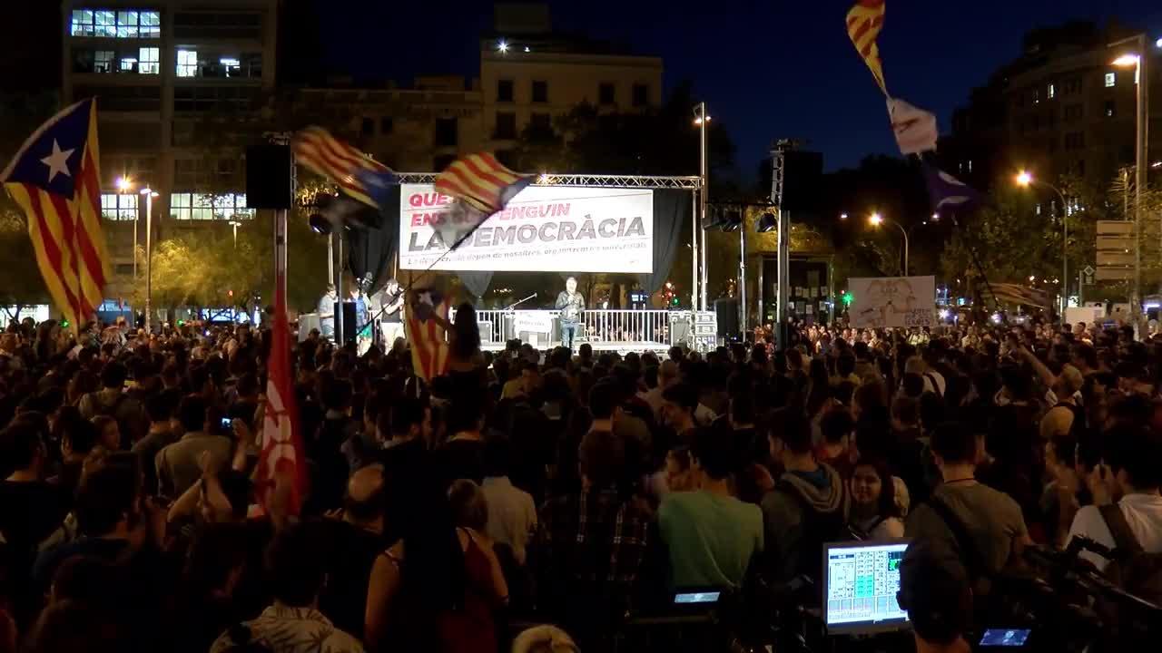 Каталунски студенти оспориха спирането на референдума