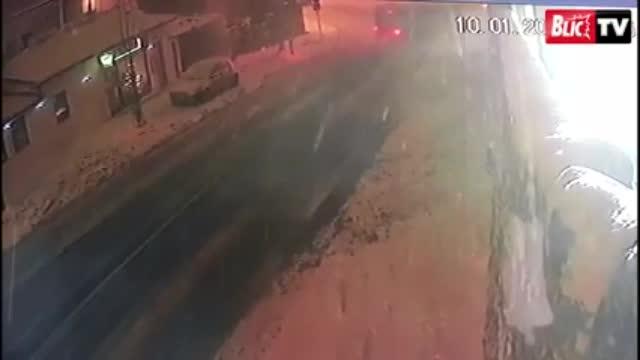 Автобус се удари в къщата на Цеца Величкович