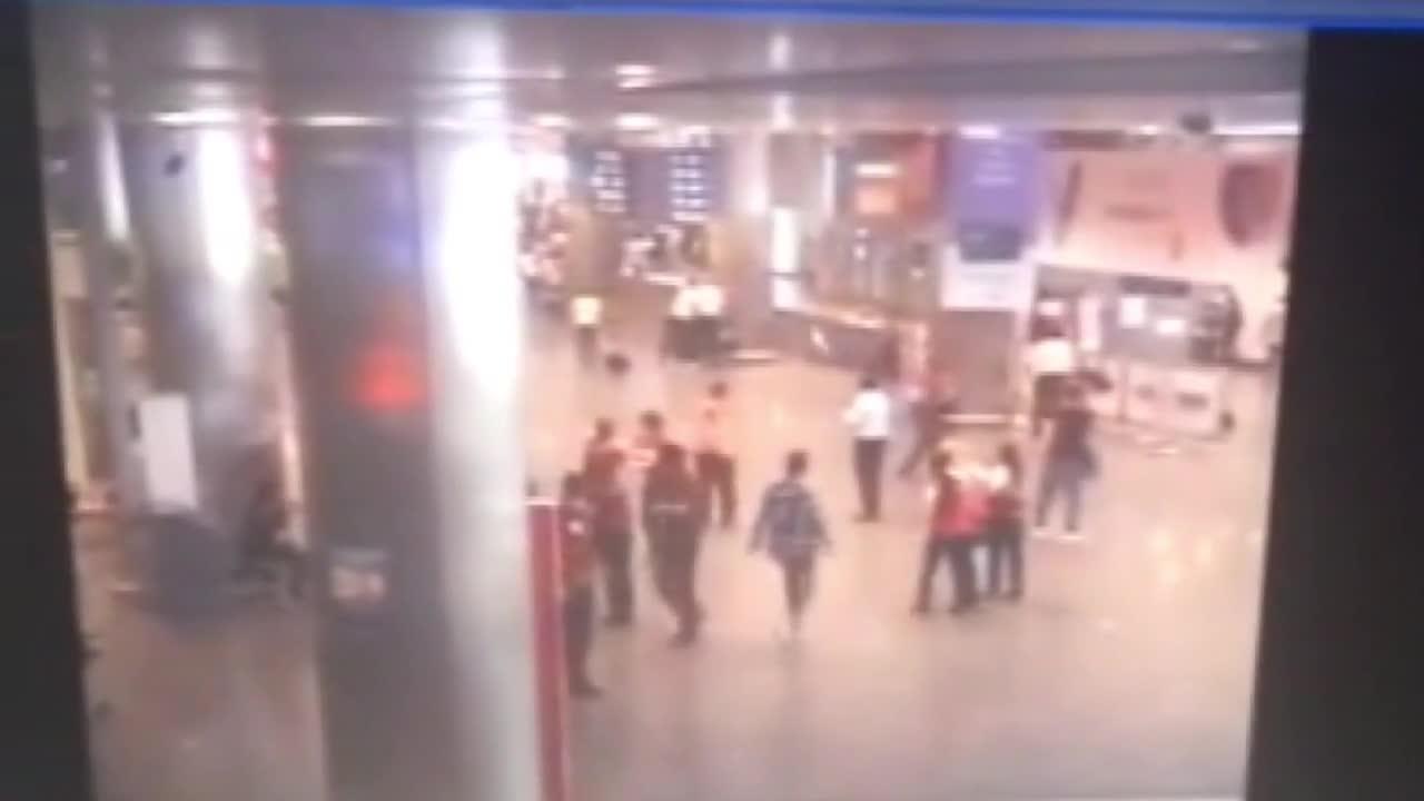 """Троен самоубийствен атентат на летище """"Ататюрк"""" в Истанбул"""