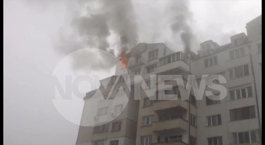 Пожар горя в блок в Студентски град (ВИДЕО)