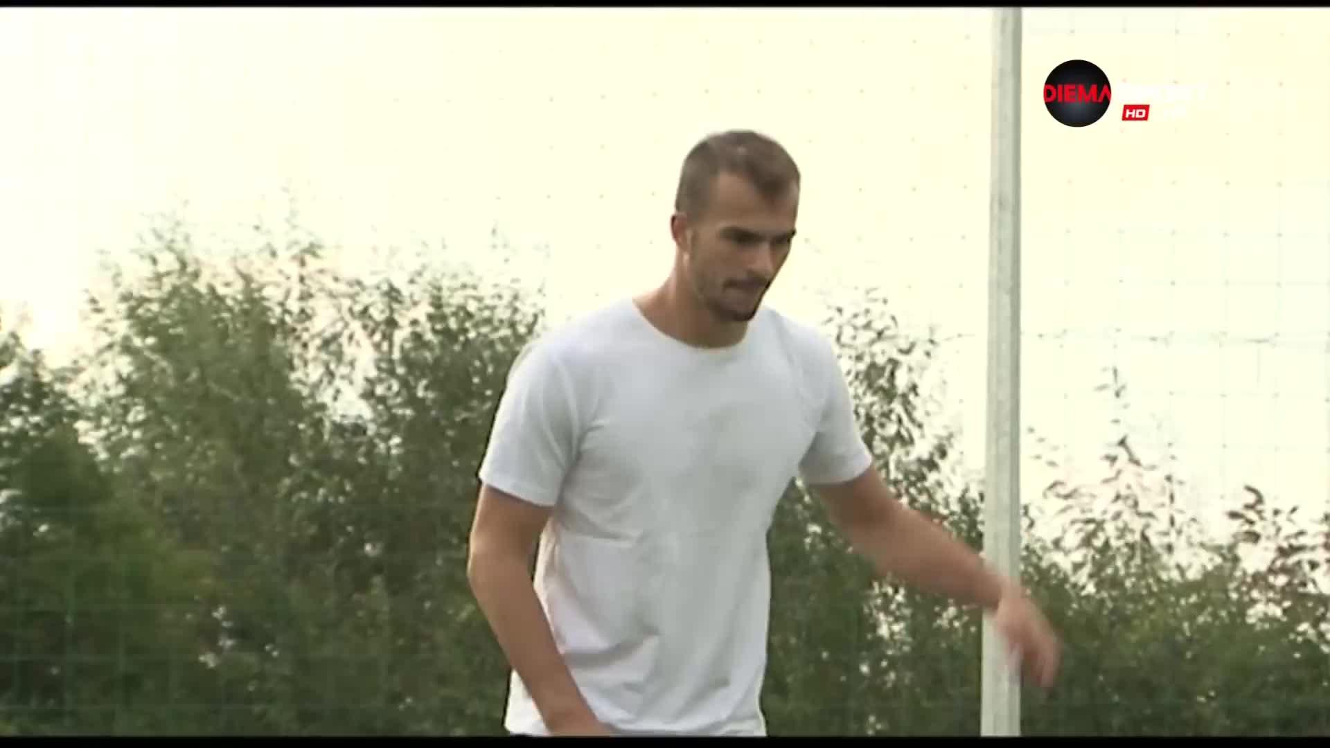 Френският вратар на Струмска слава, който съчетава футбола и ръгбито