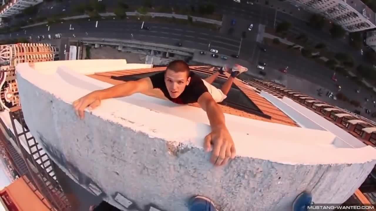 Ето това е да нямаш страх от високото ! Момчета със страхотни умения 2о14 !