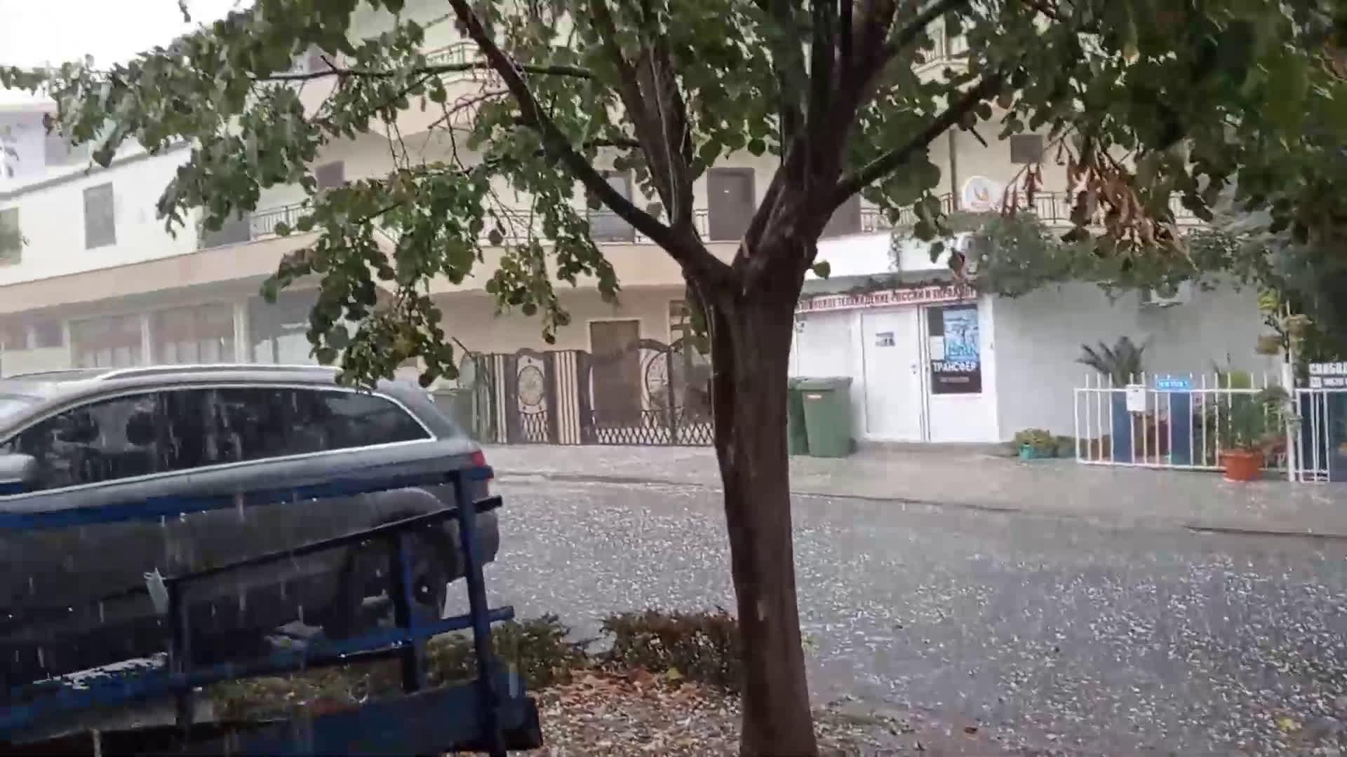 """От """"Моята новина"""": Градушка в Равда"""