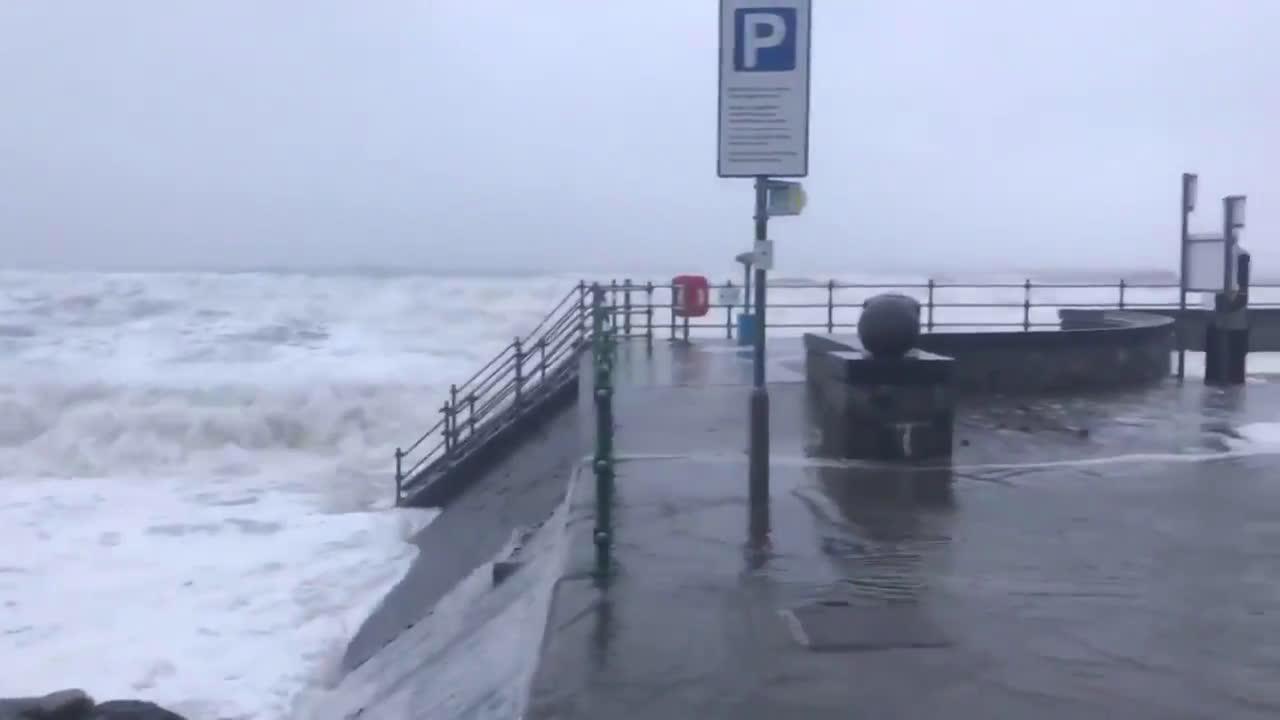 UK: Severe flooding as Storm Ciara batters Wales