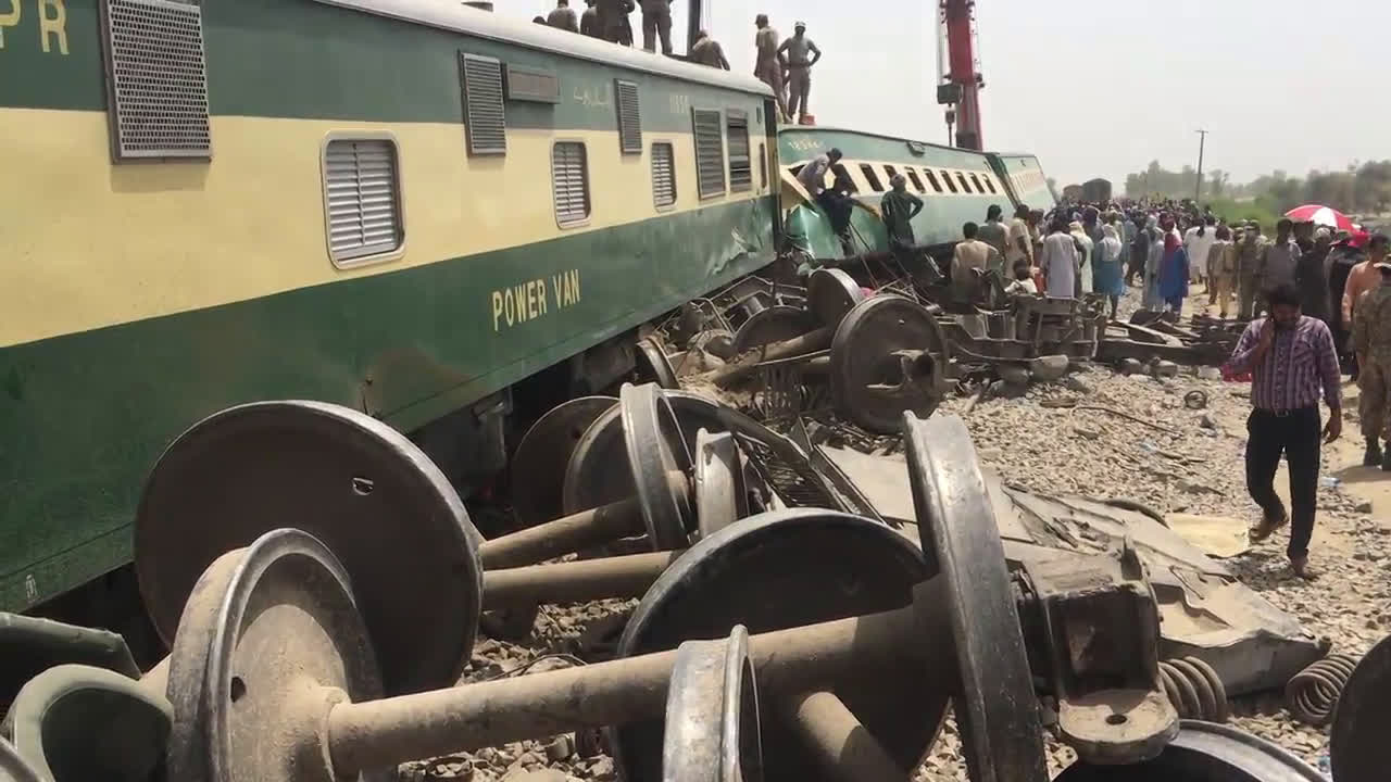 Pakistan: Rescue operation underway after dozens killed, over 100 injured in train collision