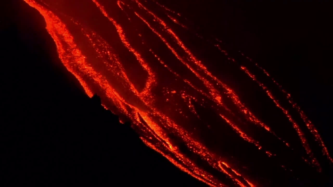Italy: See Mount Etna volcano spews lava and ash into the sky