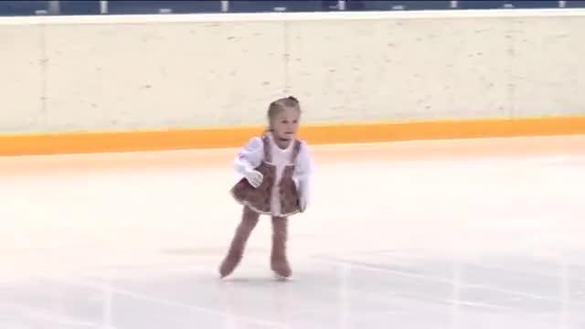 Най-малката фигуристка, само на 2,5 години