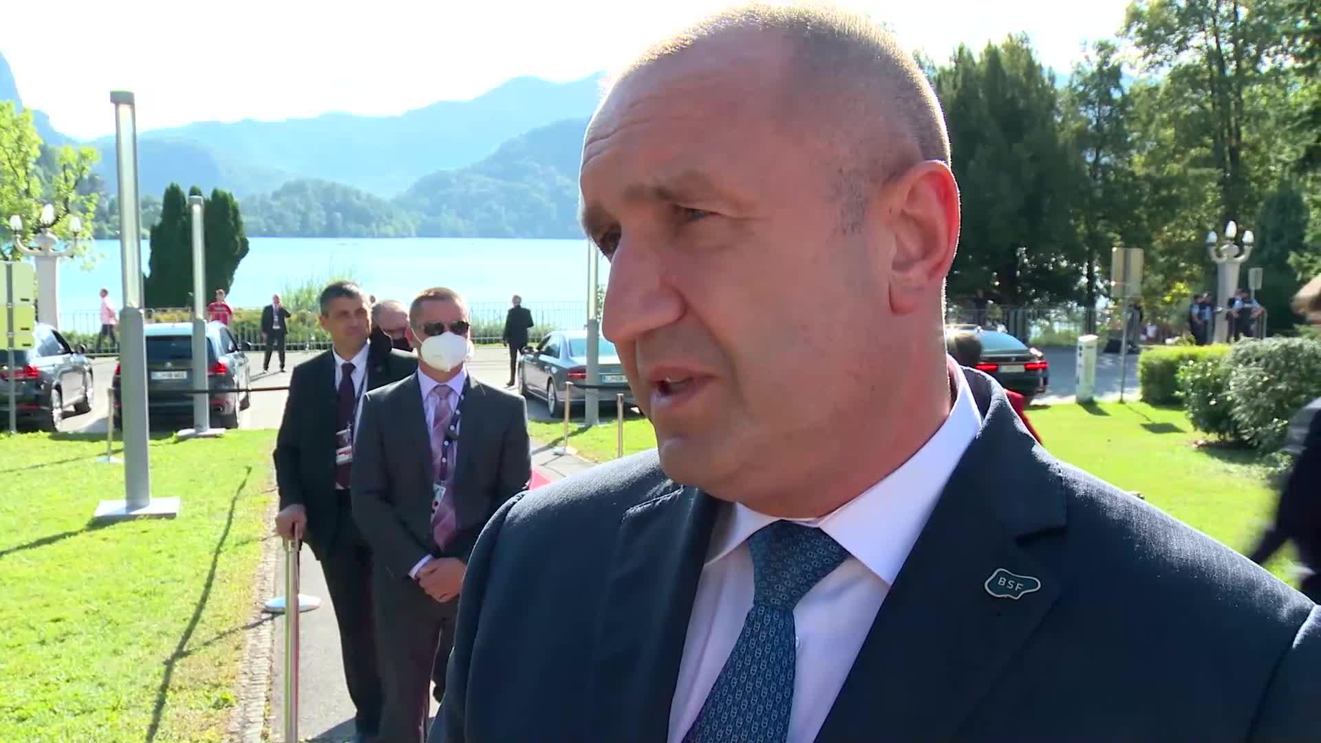 Радев за Северна Македония: Очакванията за компромис от наша страна растат непрекъснато