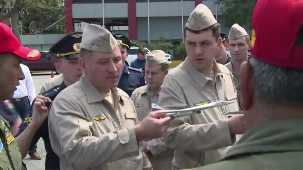Venezuela: Russian and Venezuelan pilots conduct joint training