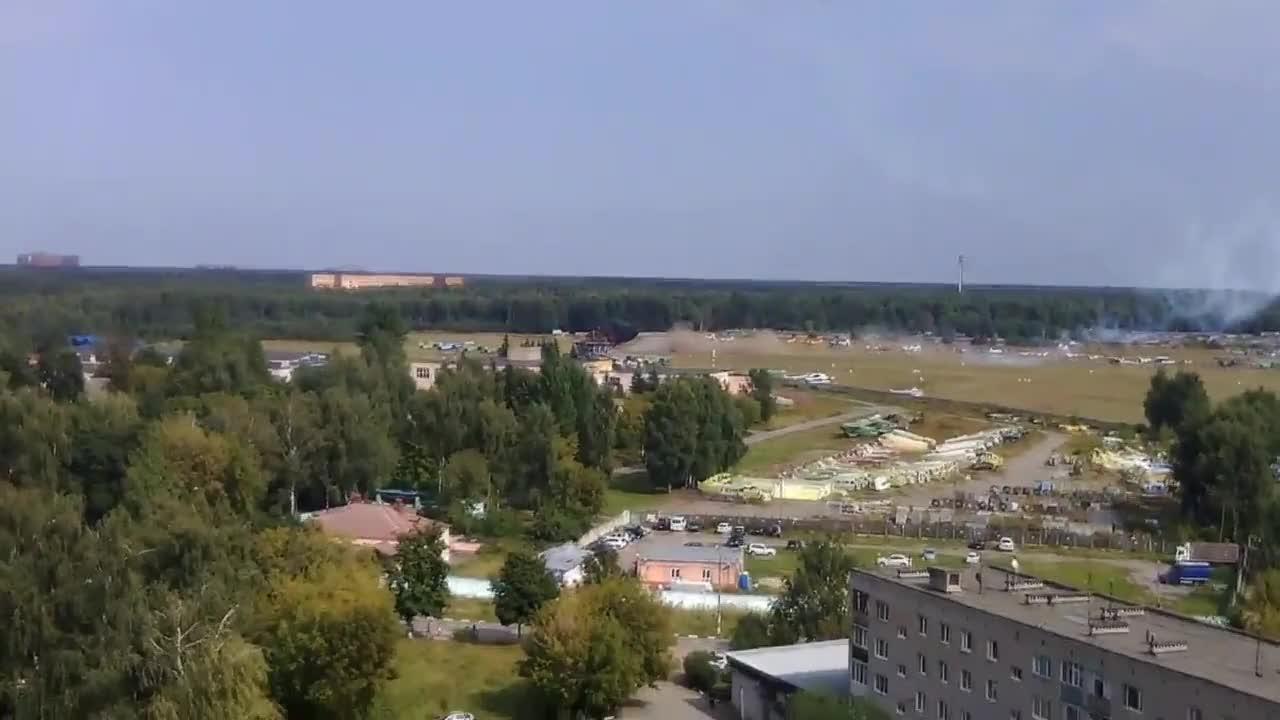 Самолет Ан-2 се разби по време на авиошоу край Москва